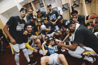 NBA Playoffs, Western Conference Finals - Curry e Golden State travolgono Houston nella ripresa: è ancora Finale!