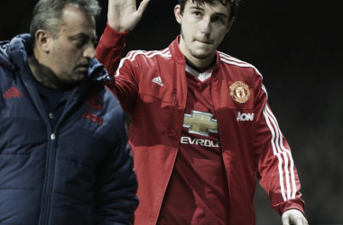 Darmian walks off injured earlier this season | Photo: Tom Purslow/Manchester United