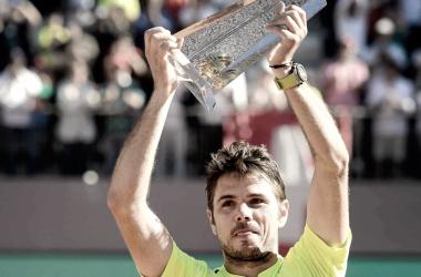 Wawrinka levanta el trofeo de campeón en el año 2016. Foto: ATP World Tour.