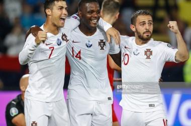 Portugal celebrates William Carvalho's opening goal of the game. Photo: Getty/Srdjan Stevanovic