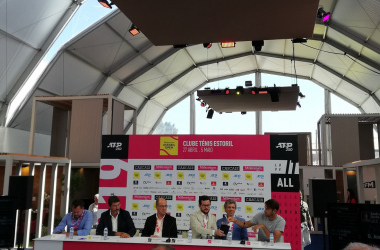 Dusan Lajovic (in the left) attended the draw ceremony of the Millennium Estoril Open. (Photo by Pedro Cunha / VAVEL USA)