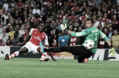 Welbeck faz três e Arsenal goleia Galatasaray no Emirates Stadium