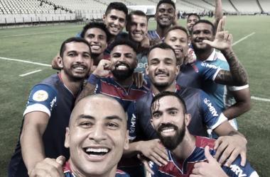 Jogadores posam para selfie no momento da comemoração (Foto: Divulgação/Fortaleza)