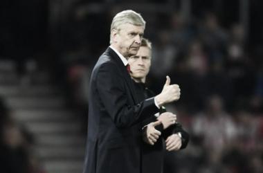 Arsène Wenger durante el partido   Fotografía: Arsenal