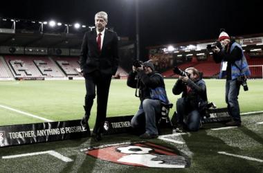 """Arsène Wenger: """"Todavía hay oportunidad para que Mesut Ozil continúe"""""""