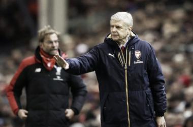 Wenger revela que pediu para Klopp 'se acalmar' durante clássico eletrizante em Anfield