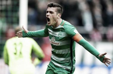 Bremen golea y amplía su buen momento
