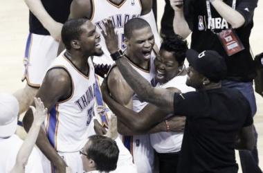 Oklahoma roba a los Clippers la victoria