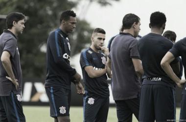 Com time misto e já classificado, Corinthians visita lanterna Ferroviária pelo Paulistão