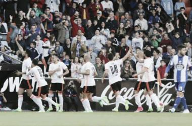 Valencia vence confronto direto contra La Coruña e acaba com série negativa
