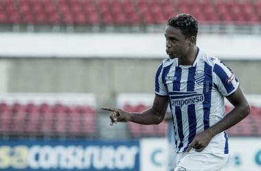 Em sua estreia, Michel marcou o segundo gol da vitória azulina | Foto: Alisson Frazão|Oitcho|Ascom CSA
