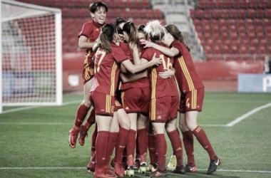 La Selección Española celebrando un gol en grupo (sefutbol.com)