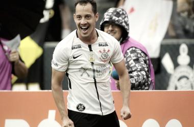 Autor dos dois gols corinthianos na partida desta domingo (15) (Foto: Rodrigo Coca/Agência Corinthians)