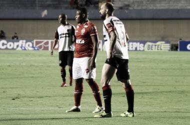 Vila Nova pressiona, mas só fica no empate com Brasil de Pelotas