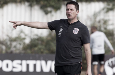 """Loss avalia comando no Corinthians após vitória sobre Chapecoense: """"Estou evoluindo"""""""