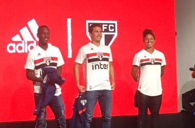 São Paulo lança nova camisa com inspiração no primeiro uniforme