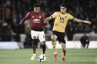 Com a derrota, o Manchester United continua com 61 pontos e pode cair uma posição. (FOTO: Manchester United)