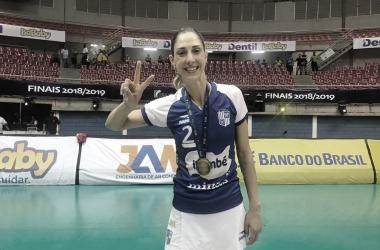 Carol Gattaz está no Minas há cinco temporadas (Foto: Thaís Alcântara/VAVEL Brasil)