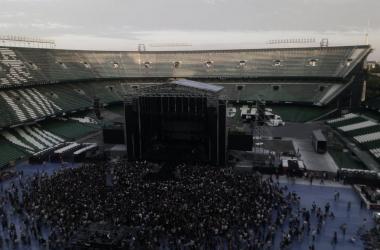 Estadio Benito Villamarín minutos antes de dar comienzo al concierto // Image: Silvia Rueda