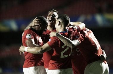 No fechamento da primeira rodada, Chile goleia Japão pela Copa América