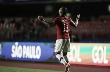 Eduardo Vargas celebra su gol 38 en la selección chilena || Foto: Twitter Chile