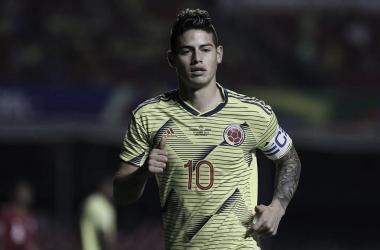 No dia em que James Rodríguez vai mal, a Colômbia não rende