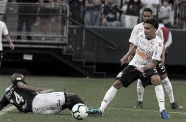 Após Al-Hilal contratar Cuéllar, Gabriel retorna ao Corinthians