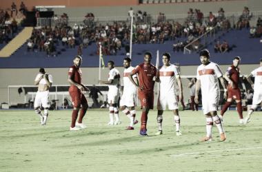 Vila Nova reage em cinco minutos e busca empate diante do CRB