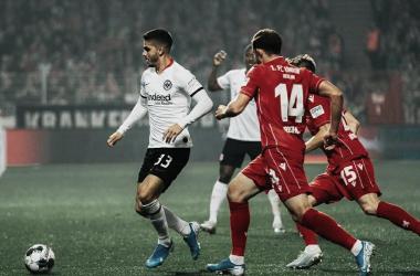 Eintracht Frankfurt vence Union Berlin e se recupera na Bundesliga