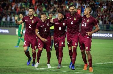 Celebración del gol de Yangel Herrera. FOTO: Instagram @selevinotinto