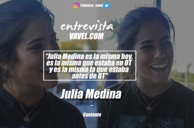 Julia Medina durante la entrevista en Sevilla. // Fotografías by Paz Seco y Montaje by Ana Alonso