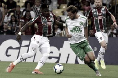 Em confronto direto contra o rebaixamento, Fluminense e Chapecoense empatam no Rio