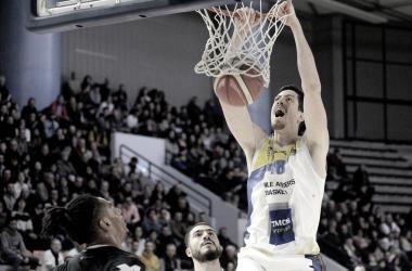 Em seu melhor momento, FelipeBragalamenta cancelamento datemporadade basquetenaFrança