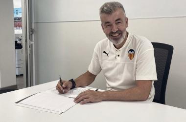 No todo son malas noticias, Óscar Fernández vuelve a casa para entrenar al Valencia Mestalla