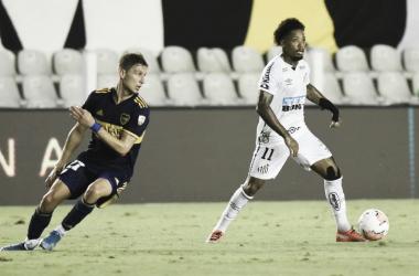 Marinho con la pelota, la figura del partido. | Fuente: Santos FC Oficial