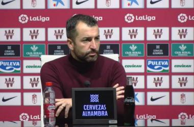 Diego Martínez durante la rueda de prensa postpartido. Foto: Granada CF