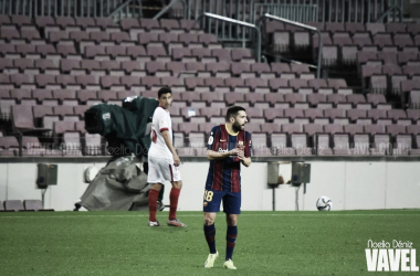 Jordi Alba ante el Sevilla FC en el Camp Nou. Foto: Noelia Déniz, VAVEL