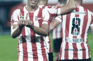 Tití Rodríguez, festejando su gol en el encuentro frente a Platense.