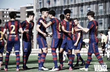 El FCB Cadete A festejando un tanto ante el Jàbac i Terrassa. Foto: Noelia Déniz, VAVEL