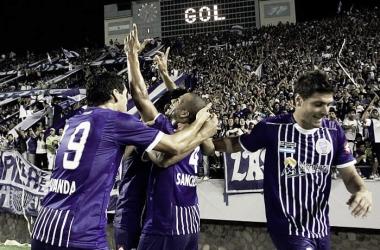 HISTÓRICO. Carlos Sánchez, anotó el primer gol del Tomba en torneos internacionales. Foto: Web