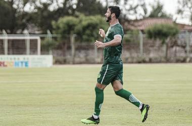 Artilheiro histórico! Flavio Torres marca o primeiro gol do Floresta na Série C