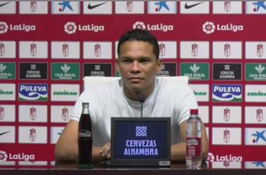 Carlos Bacca en su presentación. Foto: Pepe Villoslada/ Granada CF