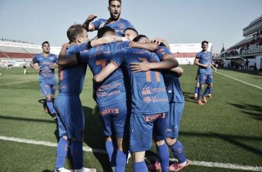 GALLITO ILUSIONADO. Deportivo Morón mejoró el rendimiento y cada vez sueña más con el reducido.
