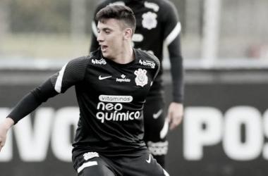 Corinthians ganha nova opção para ataque com retorno de Gustavo Mantuan