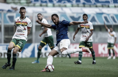 Cruzeiro joga bem, mas vacila e fica no empate contra Sampaio Corrêa no Independência