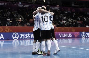 La selección campeona del mundo, de vuelta entre los 16 mejores del mundo. Foto: Selección Argentina.