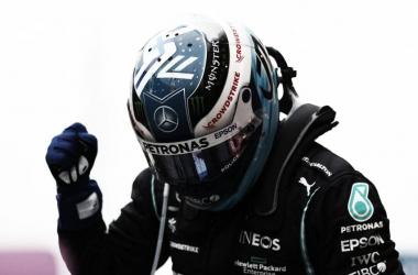 Bottas celebrando la victoria en el GP de Turquía. (Fuente: f1.com)