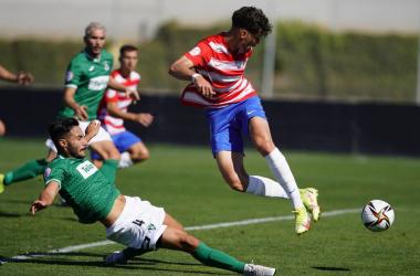 Adrián Butzke marcando el 1-0. Foto: Granada CF