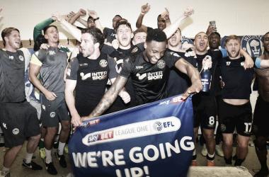 Los Wolves ocuparán la plaza del West Brom, mientras que Wigan la del Sunderland la próxima temporada