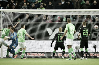 VfL Wolfsburg 1-0 Borussia Mönchengladbach: Wolves see off Foals in race for Champions League